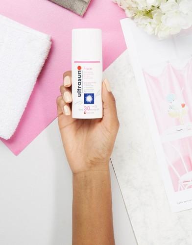 Солнцезащитное средство для лица SPF 30 с антивозрастным эффектом для очень чувствительной кожи Ultrasun - 50 мл - Бесцветный