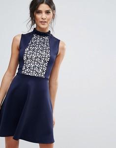 Короткое приталенное платье с кружевной вставкой Club L - Темно-синий