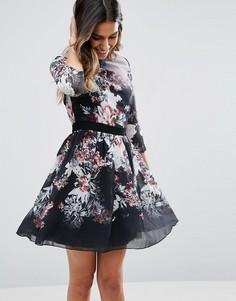 Короткое приталенное платье с цветочным принтом Little Mistress - Черный