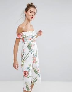 Комбинезон с юбкой-шортами и цветочным принтом New Look - Белый