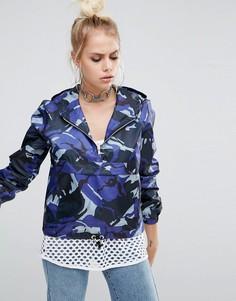 Камуфляжная укороченная куртка с короткой молнией и карманом спереди The Ragged Priest - Синий
