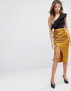 Атласная юбка миди золотистого цвета со сборками Lavish Alice - Золотой