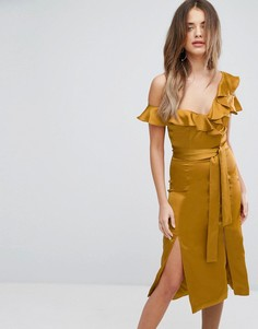 Асимметричное атласное платье миди золотистого цвета с оборками Lavish Alice - Золотой