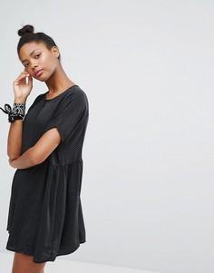 Свободное платье в горошек на пуговицах Monki - Черный