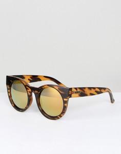 Солнцезащитные очки в форме кошачего глаза в черепаховой оправе Quay Australia - Коричневый