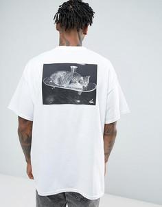 Свободная футболка с принтом кота на скейтборде New Love Club - Белый