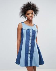 Двухцветное джинсовое платье на пуговицах Urban Bliss Maggie - Синий