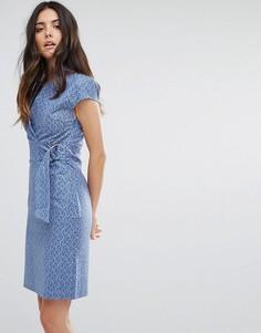 Платье с принтом и D-образным кольцом Liquorish - Синий