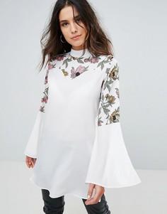 Блузка с длинными рукавами и вставкой с цветочным принтом AX Paris - Кремовый