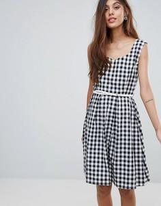 Платье в клетку с ремнем Yumi - Черный
