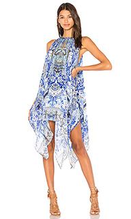 Платье в восточном стиле с вырезом-капля - Camilla