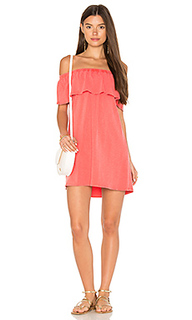 Платье с открытыми плечами и рюшами - SUNDRY