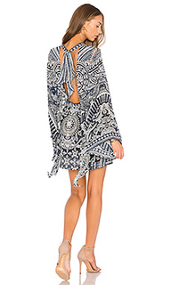 Платье с открытой спиной и завязкой сзади - Camilla