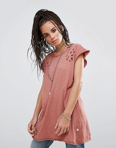 Oversize-футболка с рваной отделкой NYTT - Красный