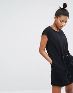 Платье со шнурком на поясе Monki - Черный
