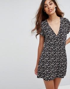 Чайное платье с цветочным принтом Goldie - Мульти