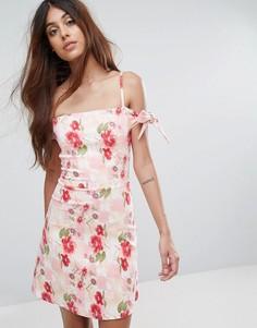 Платье-футляр с цветочным принтом и открытыми плечами Oh My Love - Мульти