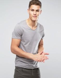 Футболка с глубоким необработанным вырезом Selected Homme - Серый