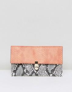 Клатч с отделкой в стиле змеиной кожи ASOS - Мульти