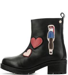 Черные кожаные полусапоги с нашивками Love Moschino