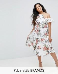 Приталенное платье миди с цветочным принтом Boohoo Plus - Белый