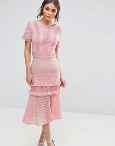 Кружевное платье миди с оборками True Decadence - Розовый