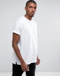 Белая oверсайз-футболка удлиненного кроя с отворотами на рукавах ASOS - Белый