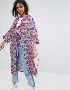 Свободное кимоно с рюшами и цветочным принтом STYLENANDA - Розовый