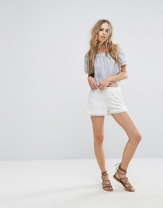 Кружевные шорты Vero Moda - Белый