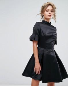 Платье миди с рукавами 3/4 и оборками Chi Chi London - Черный