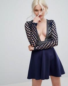 Короткое приталенное платье с глубоким вырезом и отделкой кроше Club L - Темно-синий