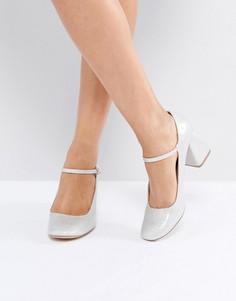 Туфли на среднем каблуке ASOS STORY BOOK - Серебряный