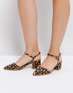 Туфли на каблуке средней высоты с ремешком вокруг щиколотки и заостренным носком Truffle Collection - Мульти