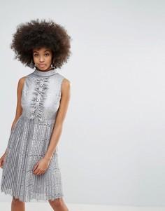Кружевное платье миди с эффектом металлик и плиссированной юбкой Darling - Серебряный