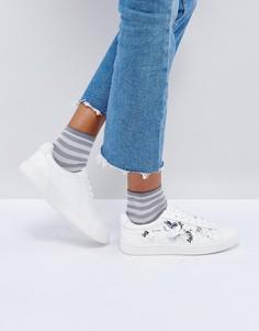 Кроссовки с рельефной цветочной отделкой New Look - Белый