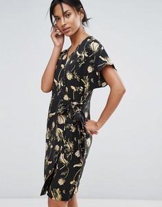 Платье с запахом и принтом Just Female Elay - Темно-синий