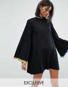 Свободное платье с длинными рукавами и отделкой помпонами Rokoko - Черный