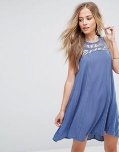 Платье с кружевом кроше у ворота Bellfield Spirea - Синий