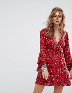 Свободное платье с оборками и леопардовым принтом Kiss The Sky - Красный