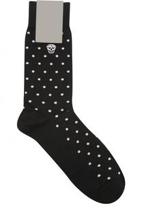 Хлопковые носки с узором в виде черепов Alexander McQueen