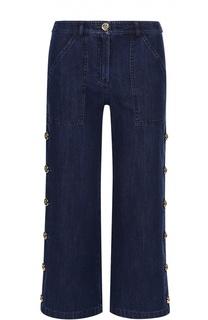 Укороченные джинсы с карманами и декоративной отделкой Michael Kors