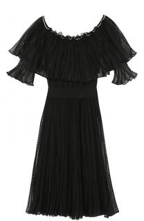 Кружевное платье с оборками и открытыми плечами Alexander McQueen
