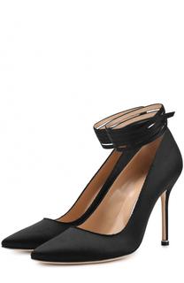 Атласные туфли с ремешками Vetements X Manolo Blahnik Vetements
