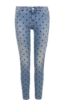 Джинсы-скинни с потертостями и контрастной вышивкой Stella McCartney