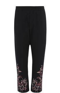 Хлопковые брюки с заниженной линией шага и контрастной вышивкой Alexander McQueen