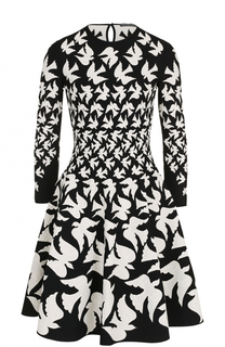 Приталенное мини-платье с укороченным рукавом и принтом Alexander McQueen