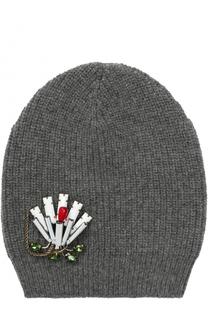 Вязаная шапка из шерсти с брошью No. 21