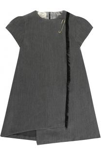 Мини-платье ассиметричного кроя с бахромой и булавкой Caf