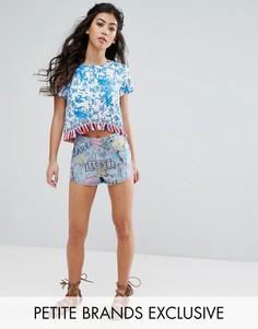 Джинсовые шорты с принтом граффити Glamorous Petite - Синий