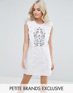 Платье с оборками и вышивкой Fashion Union Petite - Белый